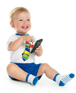 玩手机男孩-1.jpg